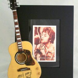 John_Lennon_photoframe1_4c7b2bb6a5843